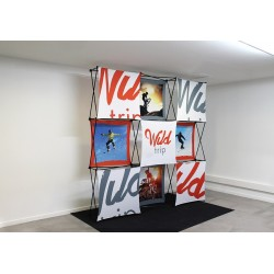 Pop-up wall with custom panels